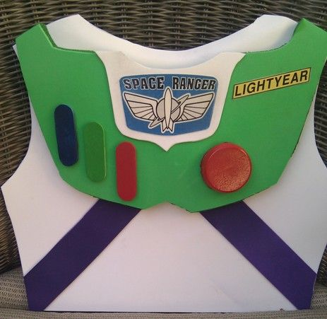 *****Homemade Buzz Lightyear Costume from start to finish using simple cheap product. *******