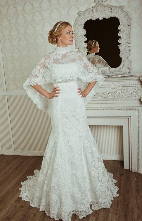 Накидка на свадебное платье фото - http://1svadebnoeplate.ru/nakidka-na-svadebnoe-plate-foto-3138/ #свадьба #платье #свадебноеплатье #торжество #невеста