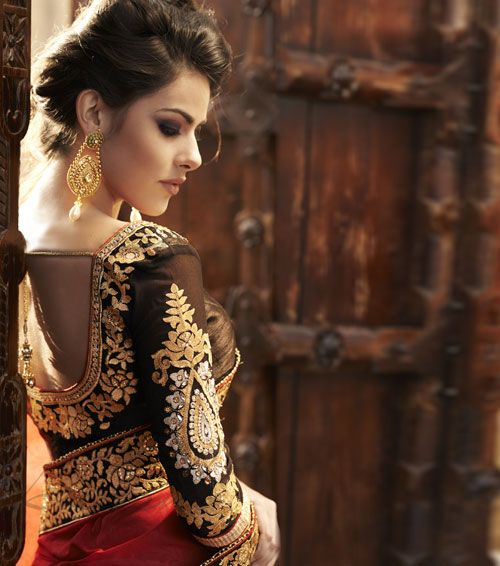 Heavily Embroided Blouse with a Saree #saree #blouse