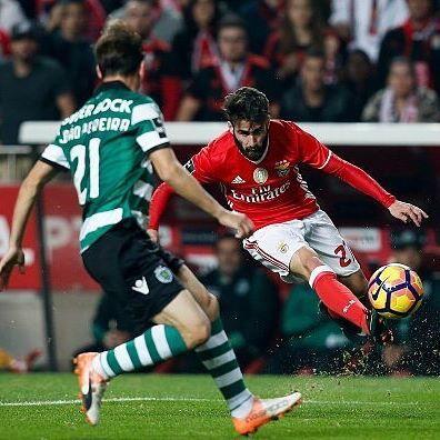 Rafa Silva (@rafaelalexandresilva) foi eleito homem do jogo. #Benfica