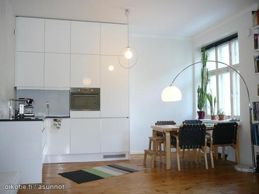 High kitchen cabinets