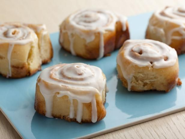 Overnight Cinnamon Rolls - Alton Brown - After first rise and assembly, wrap and refrigerate overnight.  Second rise in a warm oven the next morning.