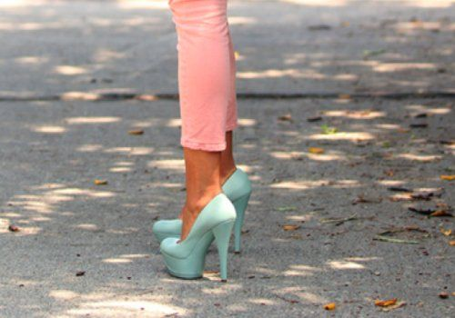 mint green pumps.: Shoes, Pastels, Fashion, Style, Colors, Closet, Heels