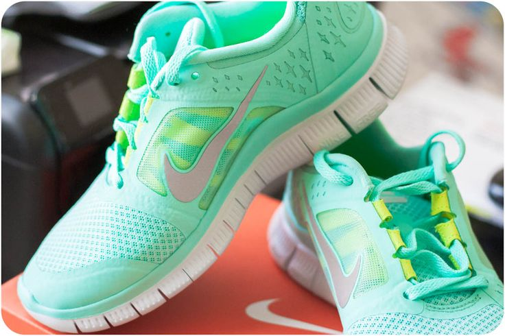 Nike Free Runs +3 Bright Tiffany Blue, with highlighter yellow accents