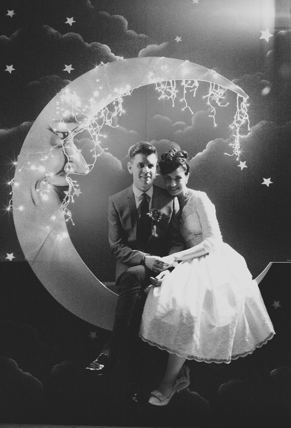 If it's not a photo booth then it should be! Gorgeous! ~ Image by Stewart Leishman *I want to do this for New Years Eve!