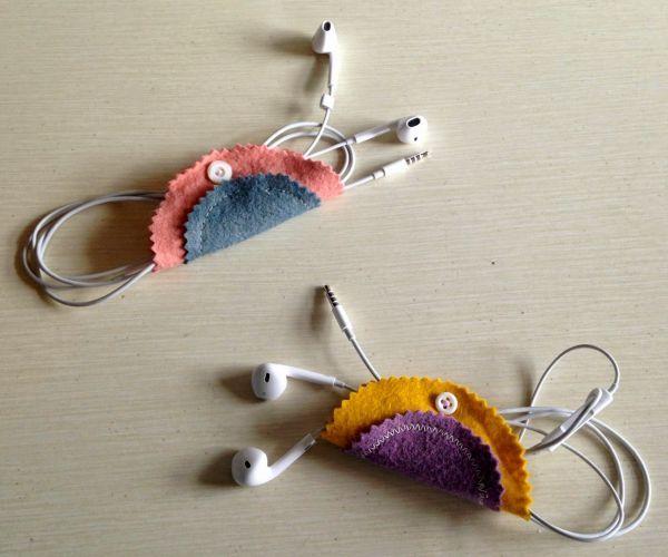 Este organizador de fone de ouvido de feltro, além de útil tem visual bem interessante (Foto: tweeterfly.blogspot.com.br)