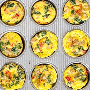 Southwestern Egg Cups // Make a batch of these easy cups ahead of time for a quick weekday breakfast. #hannafordfresh