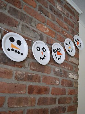 """Snowman garland - may I add this to my list of """"WHY didn't I think of that?!"""" awesome!   @Sara Eriksson Eriksson Eriksson Eriksson Peirano  Your PAPER PLATE SNOWMEN could be a lesson in EMOTIONS too!  Happy, sad, mad"""