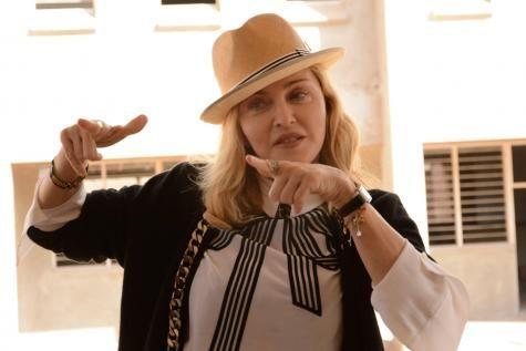 La justice du Malawi accorde à Madonna l'adoption de jumelles. - soirmag.be
