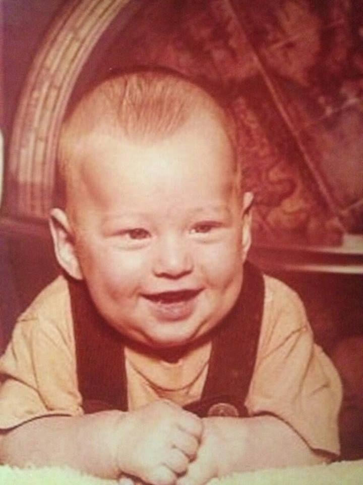 "Blake Shelton ""On June 18th, 1976 Blake Tollison Shelton was born in Ada, Oklahoma."""