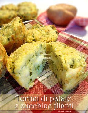 Tortini di patate e zucchine filanti. Questi Tortini di patate e zucchine filanti non sono muffin, infatti la ricetta non prevede né farina né lievito......