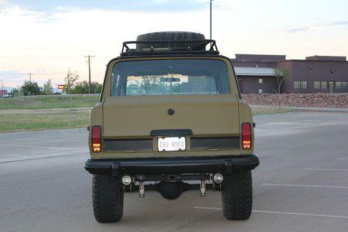 1984 Jeep Grand Wagoneer 4x4 Custom Lift And Paint Image 2 Jeep