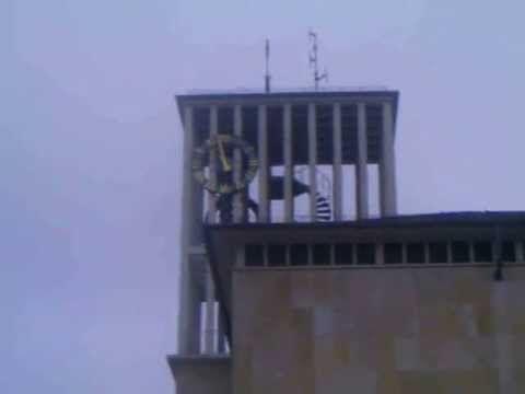 """Glockenspiel #des #Saarlouiser Rathauses  #Saarlouis #Innenstadt   #Oh  #du froehliche   #Saarland #Hier hoeren #Sie #diesmal #das Glockenspiel #des #Saarlouiser Rathauses, welches #das #Lied """"Oh #du froehliche"""" #spielt.   #Link #zur #Webseite #des Rathauses:  #ZUM RATHAUS: #Das #Rathaus #der #Stadt #Saarlouis #ist #ein #mit #einem klassischen Fensterachsensystem gegliedertes #Gebaeude, #das #an #die staedtebaulichen Rahmenbedingungen #des #Grossen Marktes anlehnt.  #Es wurde"""