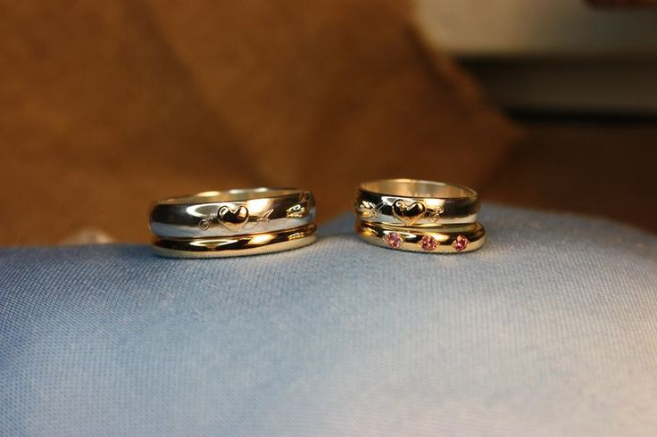 Wedding rings. Gold 750/18k, silver and Tourmalines. Handmade by goldsmith Sanna Hytönen, Finland. http://www.kultaseppasannahytonen.com/