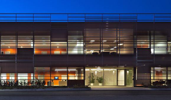 Sede uffici Tessiture di Nosate e San Giorgio, Santo Stefano Ticino (Mi), Italia | Frigerio Design Group