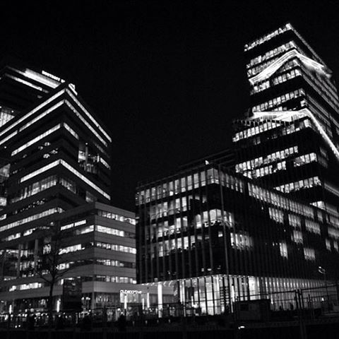Offices #zuidas #amsterdam #netherlands #architecture #nightpic