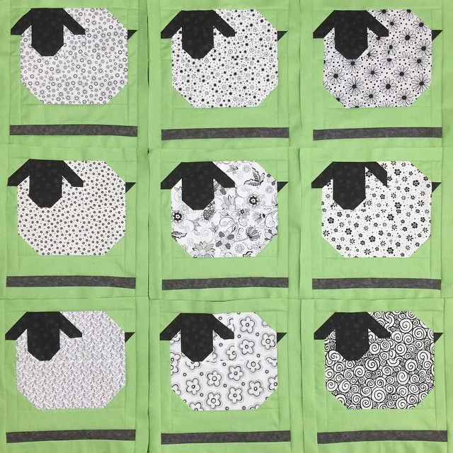 Looky at my quilty peep Lucy's (no IG) black and white version of my Farm Girl…