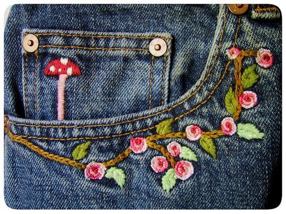 Great Idea ~> A touch of embroidery along the pocket of blue jeans. <3 Pretty detail! #embellishment #embroidery