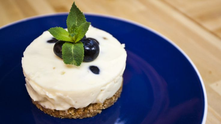 "Cheesecakes are amazing at the best of times... and this really tops the ""cheesecake charts""!  Enjoy the white chocolate whilst the fresh blueberries burst in your mouth!  This is a winner any time, day or night!"