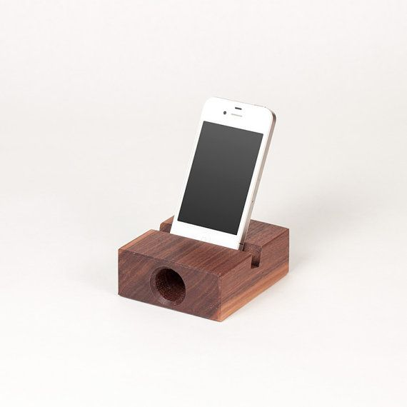 iPhone wooden acoustic amplifier / speaker in von UsetCoutumes