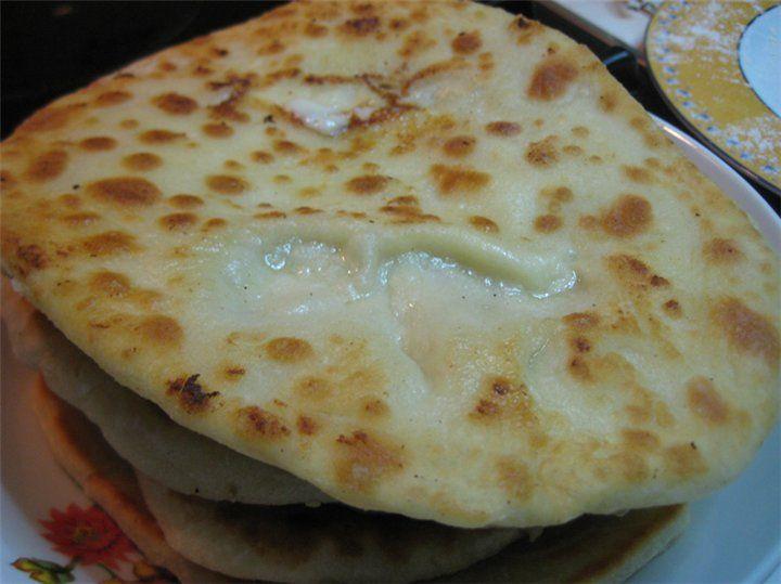 Φανταστικές πιτούλες με γέμιση τρίγωνο τυρί!!! - Filenades.gr
