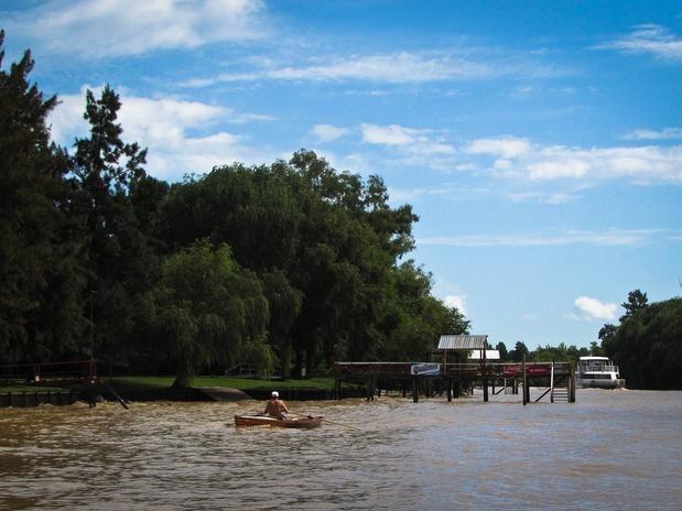 Delta del Tigre: a uma curta distância do centro de Buenos Aires, a cidade de Tigre tem uma vida orientada para a água,  no coração do Delta do Rio Paraná, também conhecido como Delta do Tigre.