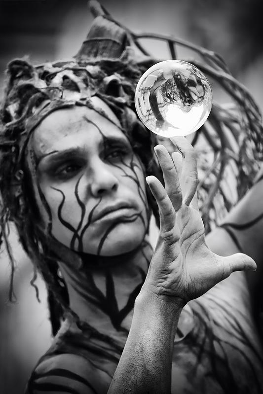 Street performer - contact ball