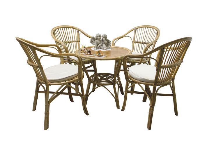 Set da giardino in vimini con 4 poltrone e un tavolo