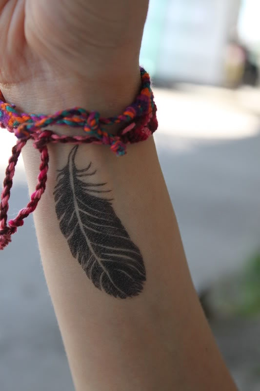 {temporary feather tattoo from fake tattoos}: Awesome Tattoo, Art Tattoo, Temporary Feathers, Fake Tattoo, Tattoo Patterns, Tattoo Design, Feathers Tattoo, Black Feathers, Design Tattoo