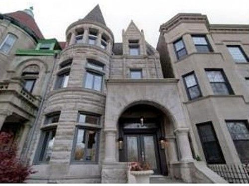 I Love Chicago S Greystone Buildings Reminds Me Of Old