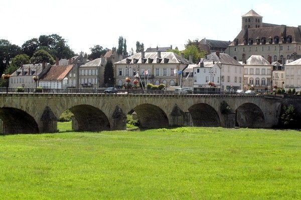 Decize, entre Loire et Canal du Nivernais!