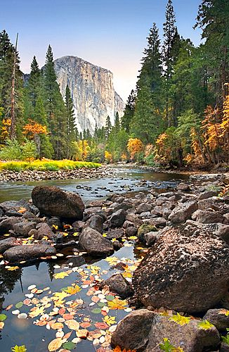 El Capitan, Autumn in Yosemite National Park, California, United States of…