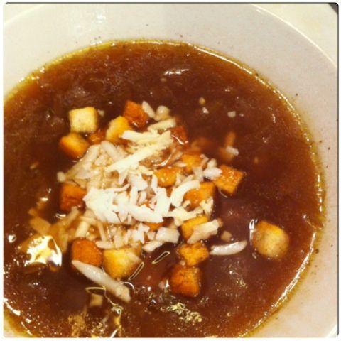Gourmelita: Easy Onion Soup