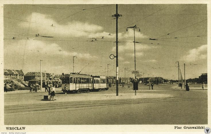 Plac Grunwaldzki w czasie WZO, widok w kierunku mostu Szczytnickiego. Fot. E. Falkowski.Rok 1948
