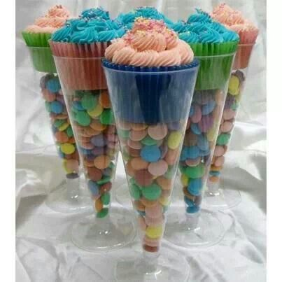 Craft fair idea x Wow!!! I love this!! I can never find small cups the right size for cupcakes so this is brilliant!!