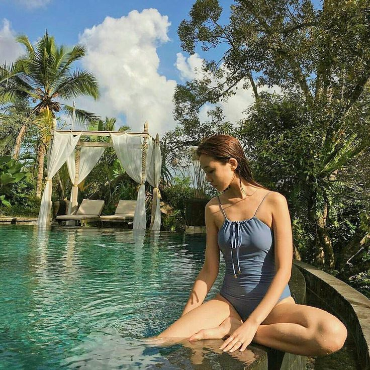 Perfectly blue and green color  .. .. @coastal.babe #swimming #infinitypool #swimsuit #Bali #Ubud #travel #holiday #TripAdvisorBali #travelideas #wanderlust #indtravel  #wonderfulindonesia #puriganggaresort #AHomeinALivingCulture