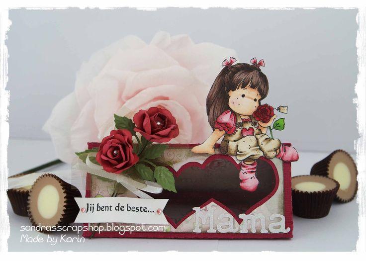 Een klein schattig doosje met 2 hartjes! Leuk voor Moederdag, Huwelijkof Valentijnsdag!                 Door een plastic sheet erachter t...