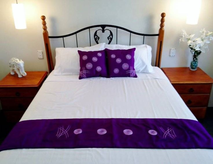 Cushion Covers x 2  Bed Runner Purple embroidered Daisy $38.90