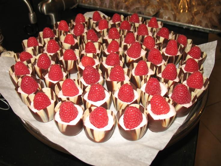 Chocolate tulip cups w/lemon fruit mousse, topped with raspberries... they went quickly!: W Lemon Fruit, Cups W Lemon, Lemon Zest