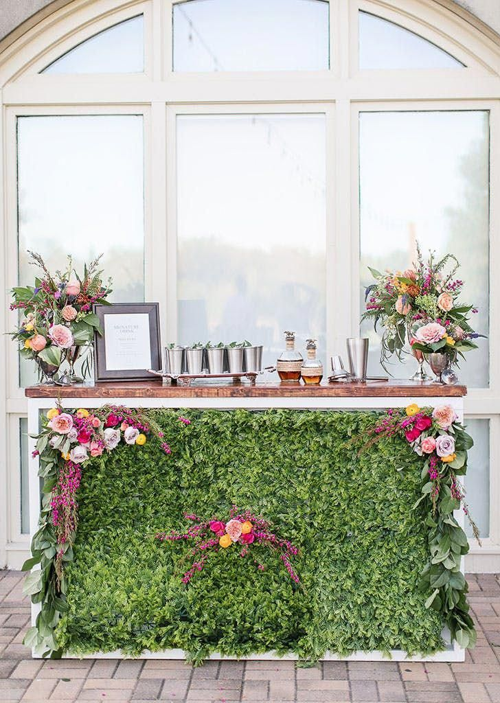 """""""Living Bars"""" sind der Cocktail-Hour-Trend der Träume #purewow #wedding #tren …   – spring wedding trends"""
