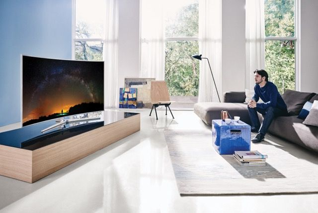 Televisions can be sexy too - The Samsung SUHD TV - Tech Girl