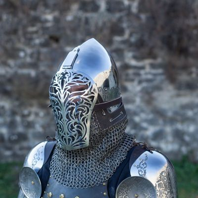 Perfectly crafted functional combat helmet for SCA and combat fight. 2mm (14 ga) stainless steel top with period visor and stainless steel laser-cut grill. International shipping available