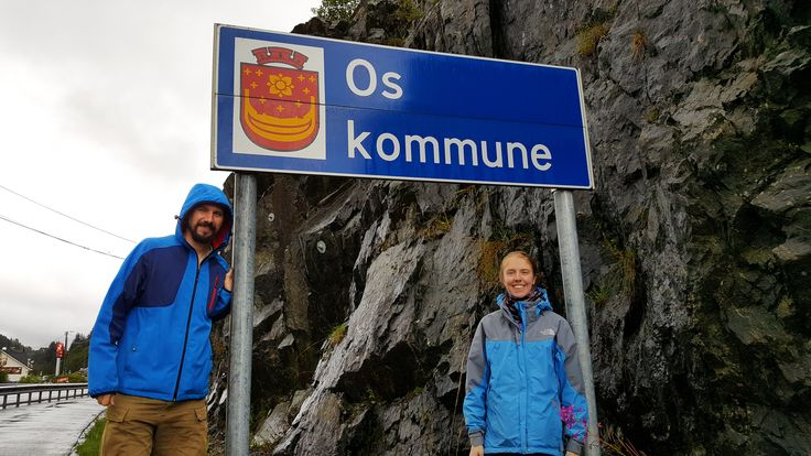 Sometimes it happens that you look for a sign and find another one opposite the one you wanted to get. When we did our famous Bergen project, across the road we also found the Os once. That is the so-called double hit (Norway, 2016)