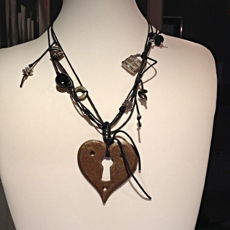 """Collana girocollo a più fili - ciondolo a cuore by """"Gioielli d'Artista di Chiara Bo"""" #artigianato #piemonte #artigianoinfiera #handmade #handcraft"""