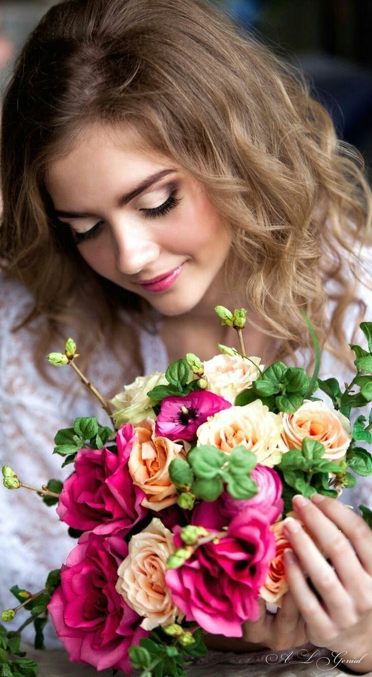 Pin by VR Chowdary on изо Girls with flowers, Beautiful