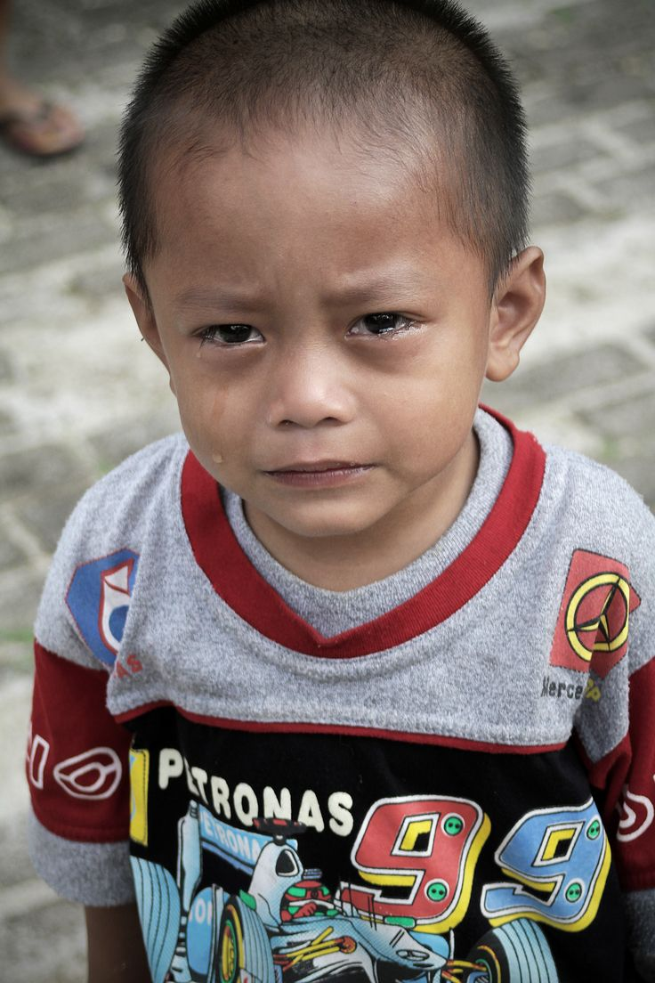 Kid in Kalimantan (Indonesia) by Pascual Ibañez