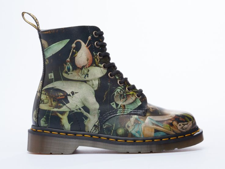 rottinghottie:   doc martens pascal boot (the classic eight-eye) now comes in a reproduction of the right panel of heironymus bosch's garden of earthly delights    OMG … So beatiful