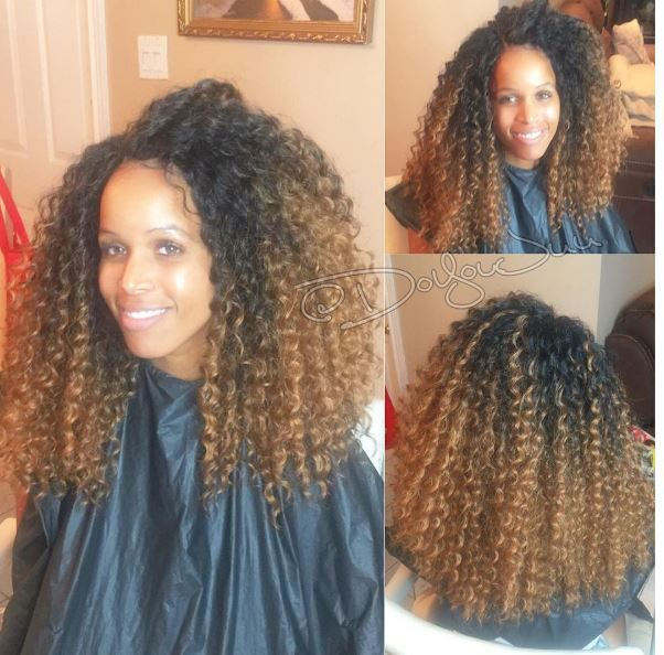 The above picture is the work of stylist @doyoujuu who did a knotless curly crochet braid style with no leave out on her client. She did not have a full tutorial but I was able to locate one on Youtube, check it out below: According to Hair by Juu she used 3 pks of Freetress …