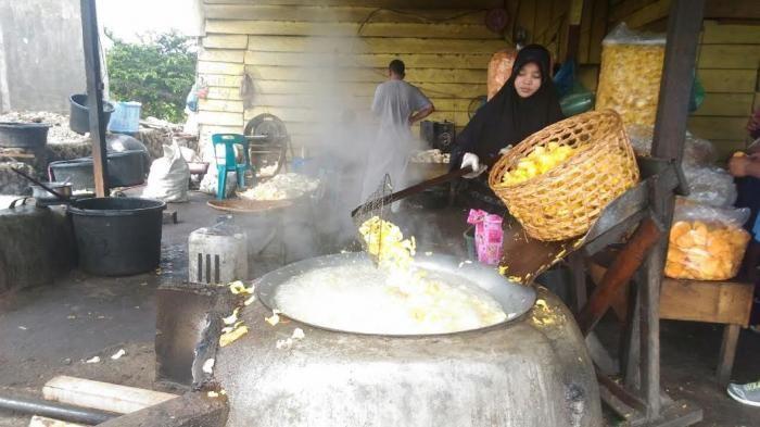 VIDEO Kuliner Aceh - Pelintas Dua Provinsi Singgah di Lembah Seulawah, Ini Oleh-oleh Favoritnya