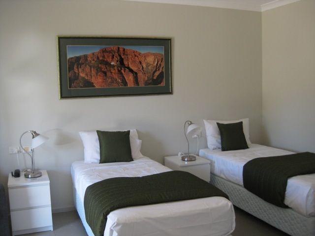 Rooms | Lakeside Resort